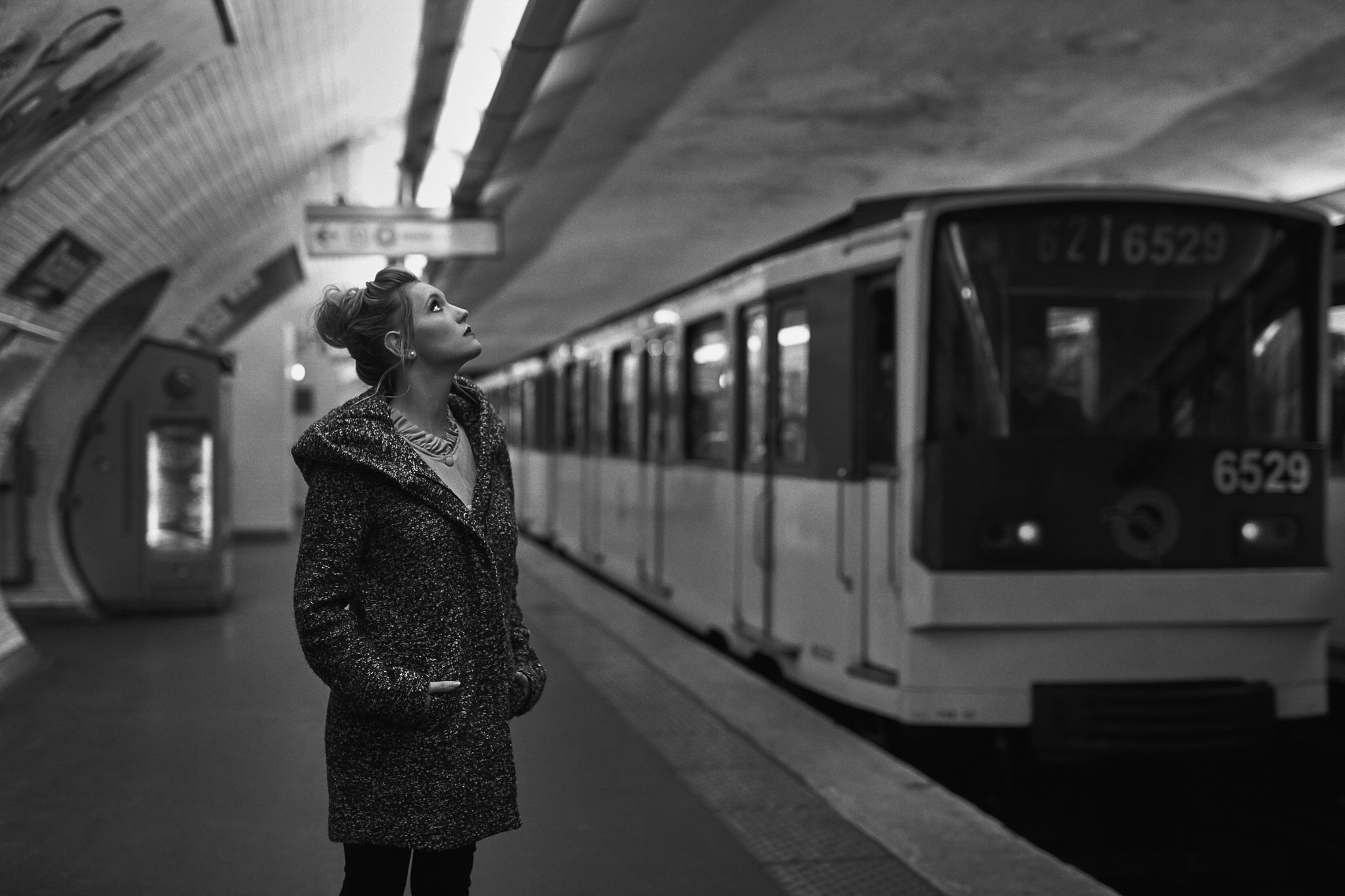 Portraits in der Metro in Paris